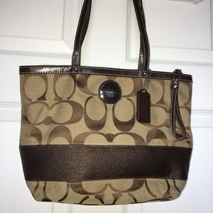 Coach authentic shoulder bag